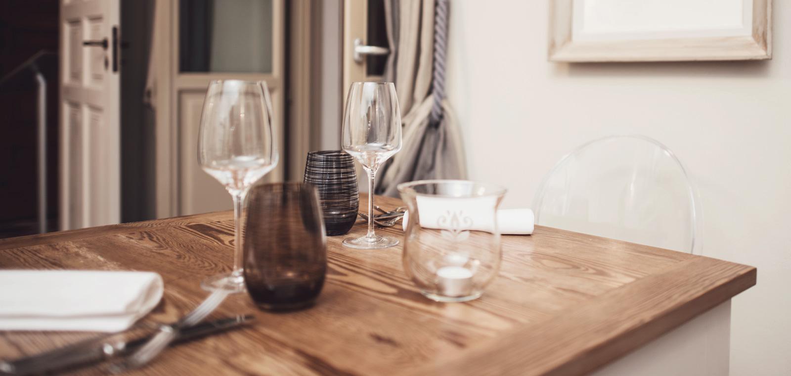 Compila il form e richiedi la disponibilità di un tavolo